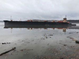 Gasoline tanker runs aground on Hudson River, no spill reported